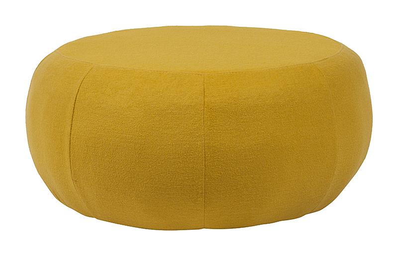 Пуф Pix Желтая ШерстьПуфы и оттоманки<br>Это пуф, несомненно, привлекает взгляд. <br>Большой и пухлый лежак будет ждать вас и <br>ваших гостей, чтоб вы смогли наконец-то <br>перевести дух после интенсивного дня. Прочное <br>деревянное основание, обтянутое шерстяной <br>тканью, яркий жёлтый цвет которой подарит <br>хорошее настроение и создаст душевную атмосферу. <br>Пуф Pix — универсальный вариант для размещения <br>в гостиной, спальне или, например, веранде. <br>Овальная форма дизайнерского пуфа Pix и возможность <br>его исполнения в ярких цветах принесут <br>очень много положительных эмоций и комфорта <br>вам в доме.<br><br>Цвет: Жёлтый<br>Материал: Ткань, Поролон<br>Вес кг: 11<br>Длина см: 87<br>Ширина см: 87<br>Высота см: 33