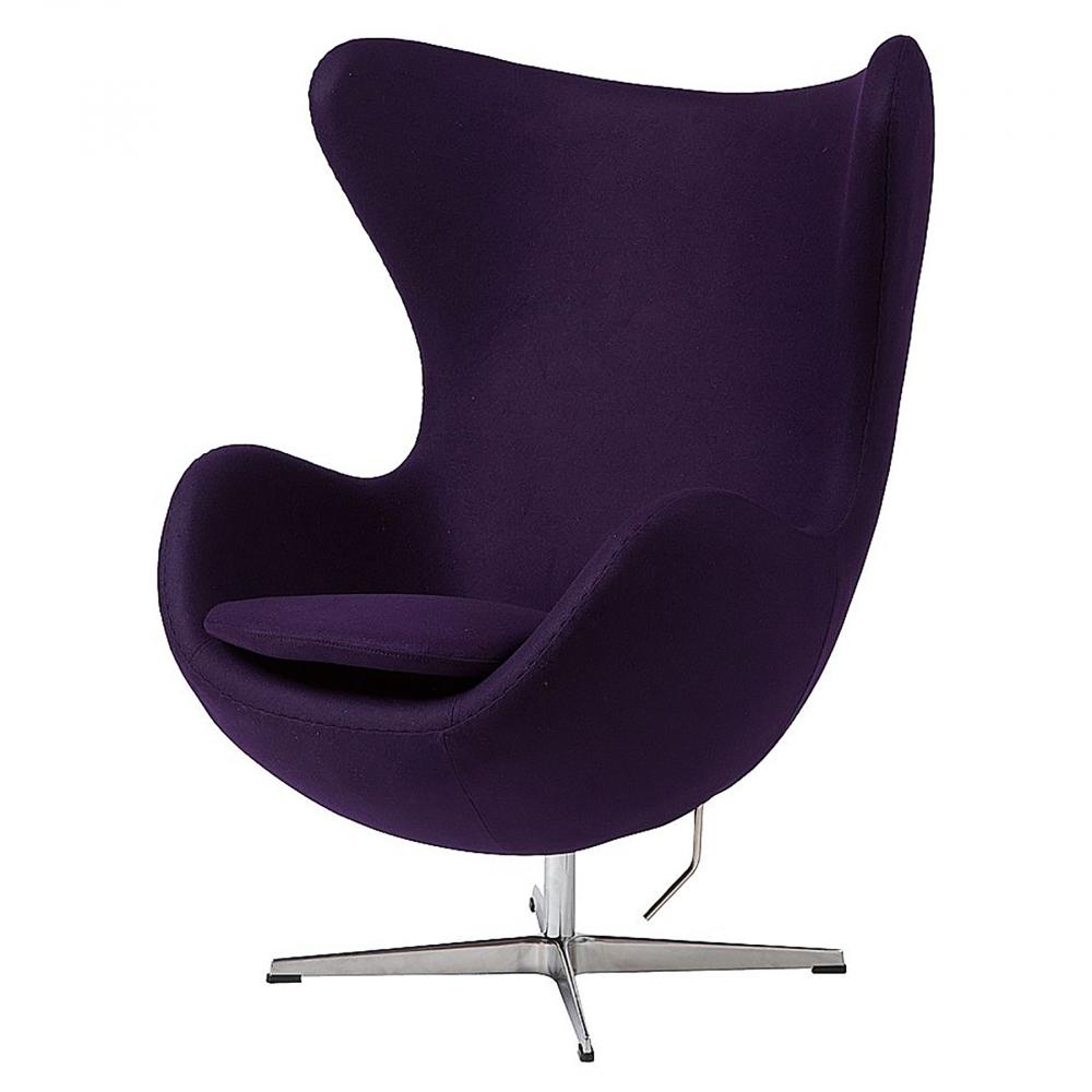 Кресло Egg Chair Тёмно-фиолетовое 100% ШерстьКресла<br>Кресло Egg Chair (Яйцо), созданное в 1958 году <br>датским дизайнером Арне Якобсеном, обладает <br>исключительной привлекательностью и узнаваемостью <br>во всем мире, занимает особое место в ряду <br>культовой дизайнерской мебели XX века. Оно <br>имеет экстравагантную форму и неординарное <br>исполнение, что позволило ему стать совершенным <br>воплощением классики нового времени. Кресло <br>Egg Chair, выполненное в форме яйца, обтянутого <br>100% шерстяной тканью фиолетового цвета, <br>подарит огромное множество положительных <br>эмоций и заставляет обращать на него внимание. <br>Оно непременно задаёт основу для дизайна <br>того или иного помещения. Прочный и массивный <br>каркас из стекловолокна и ножка из нержавеющей <br>стали гарантируют долгий срок службы и <br>устойчивость. Данное кресло — это поистине <br>не стареющая классика в футуристическом <br>исполнении! Купите великолепную реплику <br>кресла Egg Chair — изготовленное из высококачественных <br>материалов, оно понравится многим любителям <br>нестандартного видения обыденных и, притом, <br>качественных вещей.<br><br>Цвет: фиолетовый<br>Материал: Шерсть, Металл<br>Вес кг: 37<br>Длина см: 82<br>Ширина см: 76<br>Высота см: 105