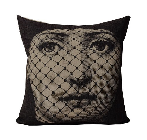 Подушка с портретом Лины Пьеро Форназетти Veil