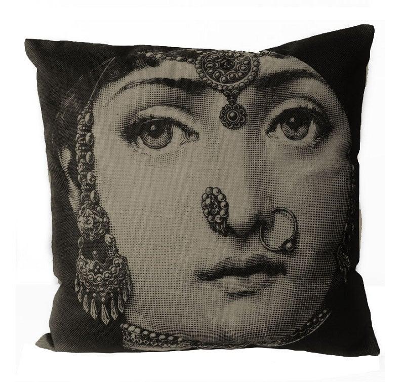 Подушка с портретом Лины Пьеро Форназетти Jewelry
