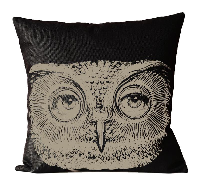 Фото Подушка с портретом Лины Пьеро Форназетти  Owl. Купить с доставкой