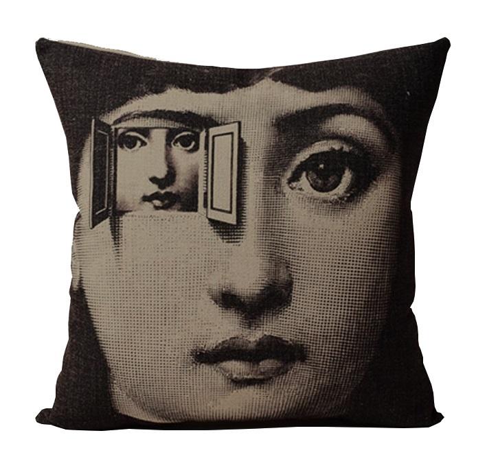Подушка с портретом Лины Пьеро Форназетти Duplicity