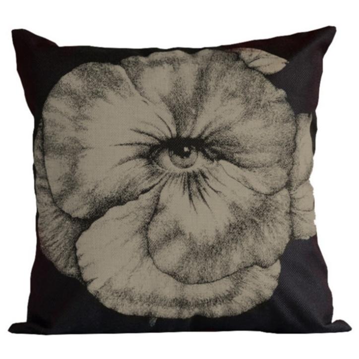 Подушка с портретом Лины Пьеро Форназетти Flower