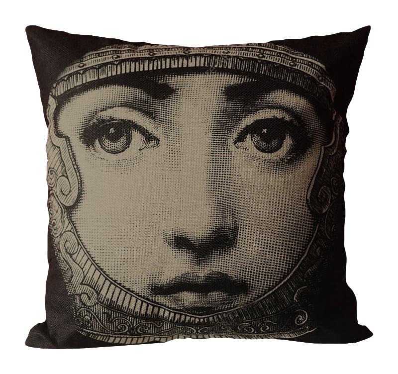 Подушка с портретом Лины Пьеро Форназетти Knight, DG-D-PL500
