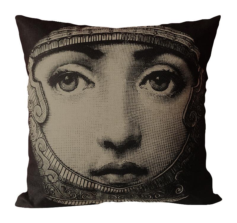 Подушка с портретом Лины Пьеро Форназетти Knight
