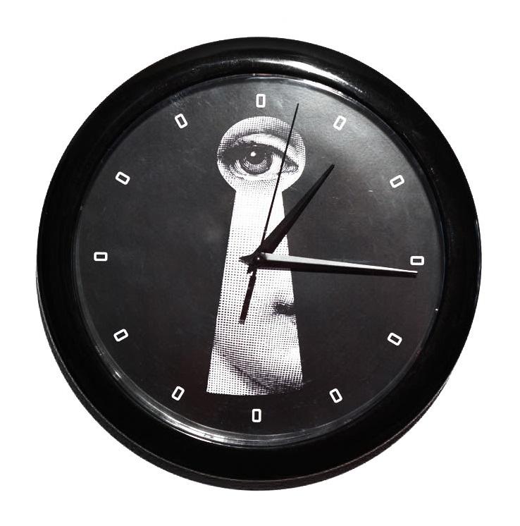Фото Настенные часы с портретом Лины Пьеро Форназетти  Keyhole. Купить с доставкой