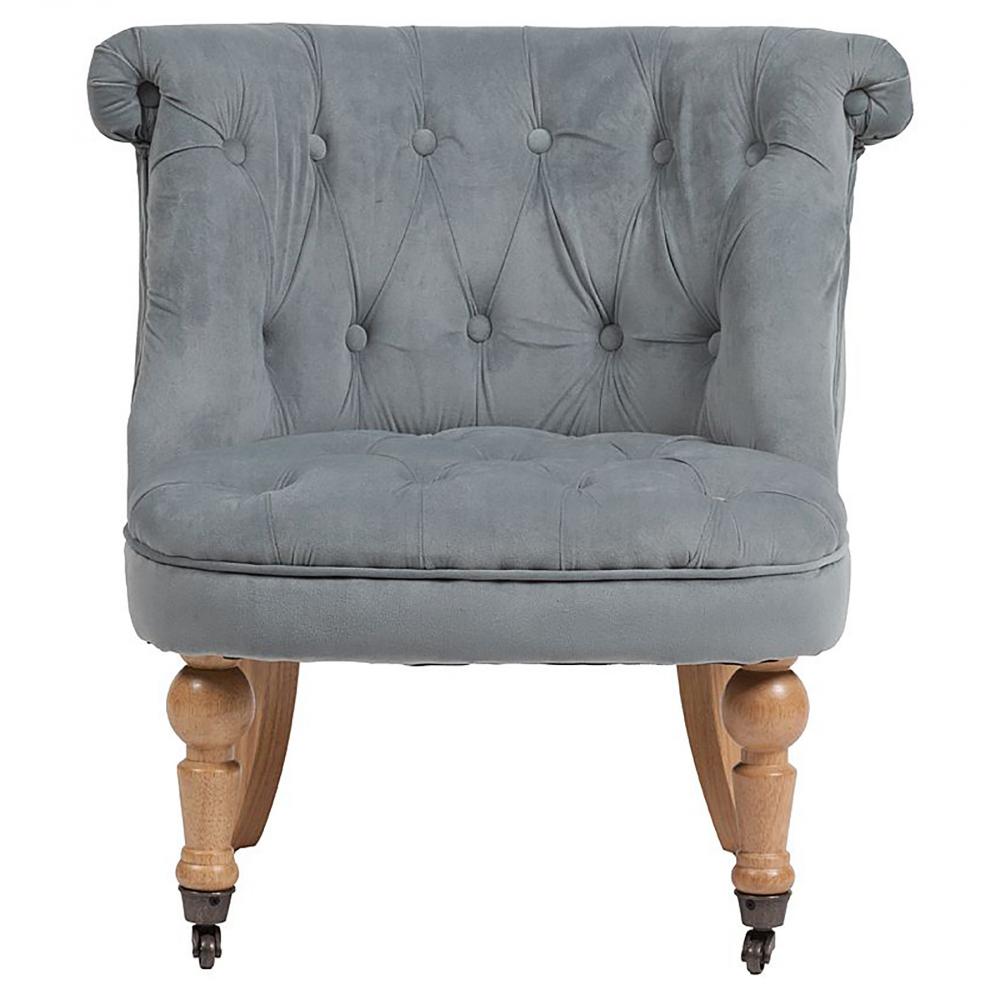 Кресло Amelie French Country Chair Серо-синий ВельветКресла<br>Изысканное кресло Amelie French Country в стиле модерн <br>сделает дизайн интерьера любого дома ярким <br>и изысканным. Шикарная обивка деревянного <br>каркаса с кнопками выполнена из высококачественного <br>велюра серого цвета. Сидение имеет необычайно <br>удобную форму — изогнутость спинки повторяет <br>очертание спины человека, поэтому такое <br>кресло не только украсит ваш дом, но и станет <br>комфортным местом для отдыха. Ножки, оборудованные <br>латунными колесиками, изготовлены из прочного <br>натурального дерева насыщенного коричневого <br>цвета.<br><br>Цвет: Серый<br>Материал: Вельвет, Дерево<br>Вес кг: 9<br>Длина см: 63<br>Ширина см: 64<br>Высота см: 71