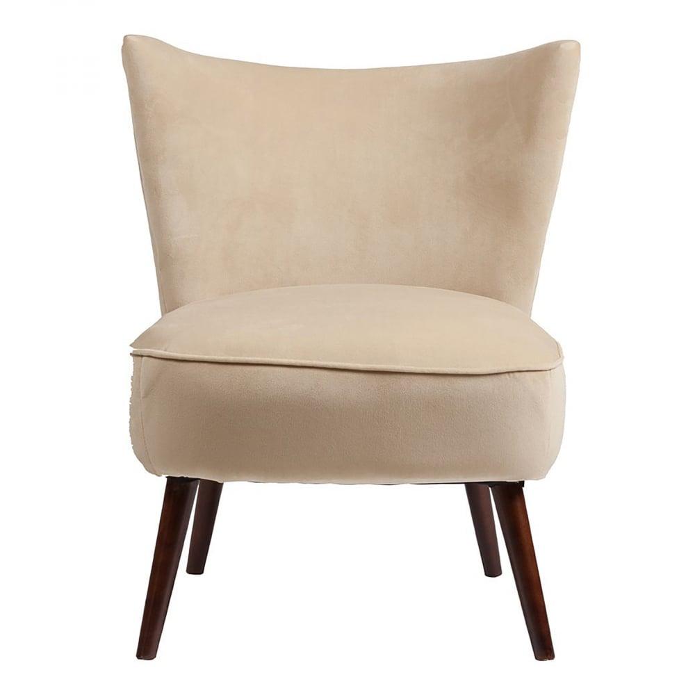 Кресло Vermont Chair Бежевый ВелюрКресла<br>Сдержанное кресло Vermont в стиле модерн имеет <br>небольшие размеры и лаконичный дизайн. <br>Мягкое поролоновое сиденье с обивкой из <br>велюра бежевого цвета, высокие ножки выполнены <br>из натурального дерева тёмного орехового <br>оттенка. Кресло имеет удобную спинку, также <br>в тканевой обивке, повторяющую очертание <br>спины человека и поэтому отдых в нем будет <br>максимально комфортным.<br><br>Цвет: Бежевый<br>Материал: Велюр, Дерево<br>Вес кг: 8,8<br>Длина см: 62<br>Ширина см: 68<br>Высота см: 75,5