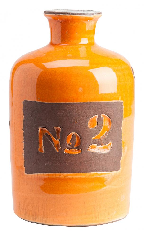 Декоративная ваза Terra Cotta ОранжеваяВазы<br>Дом можно декорировать не только настенными <br>панно или статуэтками. Можно украшать интерьер <br>изящными вазами. Коллекция декоративных <br>ваз Terra Cotta создана специально под разные <br>настроения. Синяя, оранжевая, молочная — <br>свободный выбор не только расцветок, но <br>и размеров. Оранжевая ваза выполнена из <br>грубой керамики. Её размеры: 20 х 12 см. Ваза <br>лакированная, на одной стороне обозначен <br>№2. Такая вещь станет отличным подарком. <br>Стильная и необычная ваза для цветов и не <br>только.<br><br>Цвет: Оранжевый<br>Материал: Грубая керамика<br>Вес кг: 1,3<br>Длина см: 12<br>Ширина см: 12<br>Высота см: 20