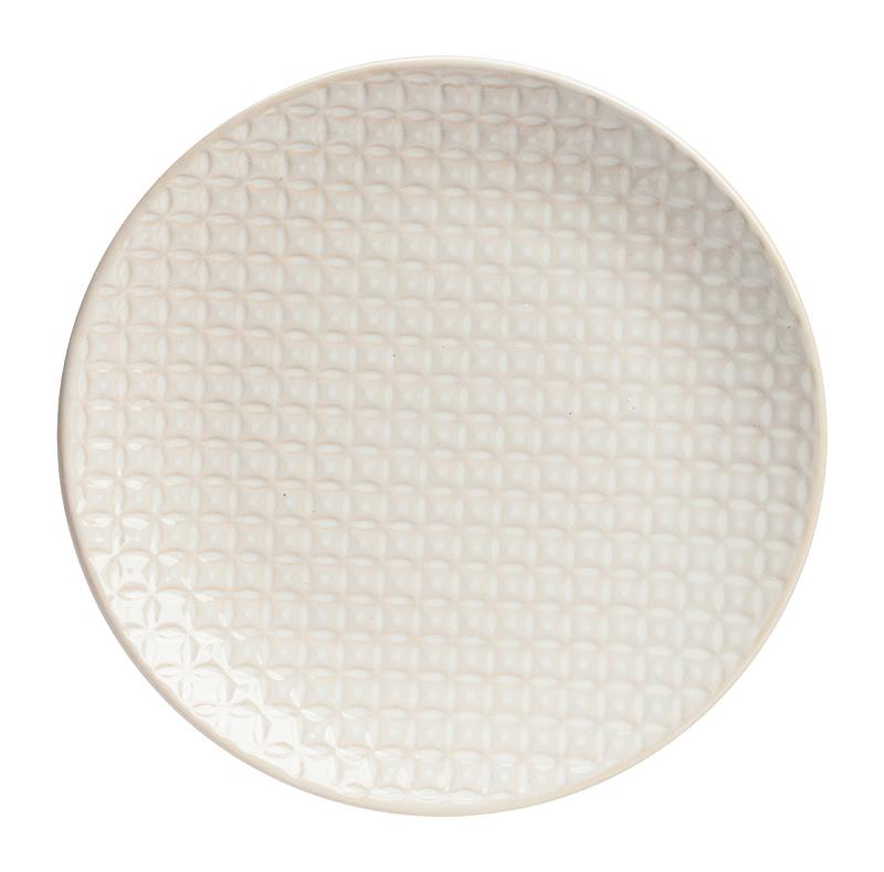 Тарелка ChileТарелки<br>Элегантная тарелка Chile из грубой керамики <br>в стиле модерн представлена в нежном цвете <br>слоновой кости. Она имеет простую классическую <br>форму, но оригинально декорирована рельефным <br>рисунком. Тарелка Chile станет украшением <br>любого стола, сервированного к приему гостей <br>или важному торжеству. Тарелку можно приобрести <br>отдельно или в дополнение к другим предметам <br>коллекции в этом же цвете.<br><br>Цвет: Бежевый<br>Материал: Грубая керамика<br>Вес кг: 0,5<br>Длина см: 20<br>Ширина см: 20<br>Высота см: 2,5