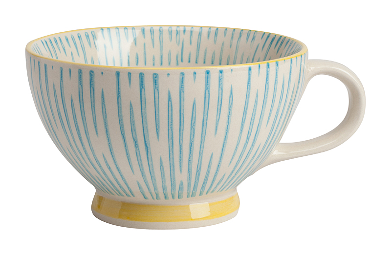 Чашка PietriЧашки<br>Чашка Pietri сразу создаст атмосферу уюта <br>вокруг себя, как только вы её увидите. Она <br>сделана из грубой керамики и отличается <br>каёмкой жёлтого цвета по краю и таким же <br>жёлтым низом. Имеет оригинальный рисунок <br>в виде голубых вертикальных полос — не <br>только снаружи чашки, но и внутри. Чашка <br>станет отличным подарком для близких, друзей <br>или для коллеги по работе. Она выглядит <br>нежно и утонченно, но и, в то же время, прочно. <br>К тому же, если ваш кофе остынет, чашку всегда <br>можно поставить в микроволновку и подогреть <br>напиток до состояния «готов работать». <br>Её размеры достаточно средние: диаметр <br>12,4 см; диаметр дна 6,5 см; высота 7,5 см. Чашка <br>Pietri всегда задаст настроение работе, как <br>крепкий кофе или вкусный чай.<br><br>Цвет: Голубой<br>Материал: Грубая керамика<br>Вес кг: 0,4<br>Длина см: 12,4<br>Ширина см: 12,4<br>Высота см: 7,5