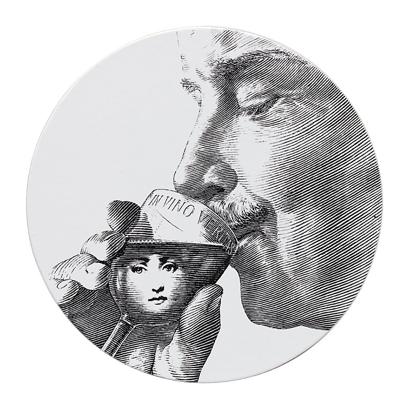 Подставка под горячее Пьеро Форназетти Сервировка стола<br>Подставка под горячее Пьеро Форназетти <br>Thirst — это необходимое дополнение для сервировки <br>вашего стола, которое непременно добавит <br>яркости, роскоши и шика любой трапезе. Аксессуар <br>из дерева и МДФ создан под вдохновением <br>творчества великого итальянского художника <br>Пьерро Форназетти (Piero Fornasetti) и его серии <br>«Лица», посвященной талантливой актрисе <br>Лине Кавальерри. Такой дизайн и цветовое <br>решение не оставит равнодушным ни одного <br>ценителя прекрасного, станет превосходным <br>подарком почитателю предметов декора и <br>аксессуаров от знаменитого дизайнера.<br><br>Цвет: Белый<br>Материал: Дерево, МДФ<br>Вес кг: 0,5<br>Длина см: 9<br>Ширина см: 9<br>Высота см: 0,3