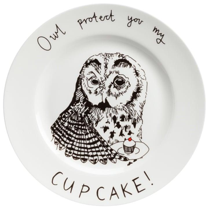 Тарелка Owl protect You My Cup CakeТарелки<br>Смешная тарелка с рисунком очаровательной <br>совы и надписью Owl protect You My Cup Cake («сова защитит <br>ваш кекс») — отменное пополнение вашей <br>коллекции интересной кухонной утвари. Она <br>пригодна для повседневного использования <br>и абсолютна незаменима для поднятия своего <br>настроения и впечатления гостей. Эта тарелка <br>станет забавным и необычным подарком на <br>день рождения или любой другой случай, замечательным <br>способом поднять настроение хмурым утром! <br>Вы можете купить тарелку в подарок своим <br>друзьям и коллегам, а можете — их детям. <br>И те и другие будут довольны, ведь их завтраки <br>и ужины навсегда перестанут быть скучными! <br>Спешите купить яркую, позитивную тарелку <br>Owl protect You My Cup Cake и другие смешные тарелки <br>из этой коллекции!<br><br>Цвет: Белый<br>Материал: Фарфор<br>Вес кг: 0,4<br>Длина см: 21<br>Ширина см: 21<br>Высота см: 1,7