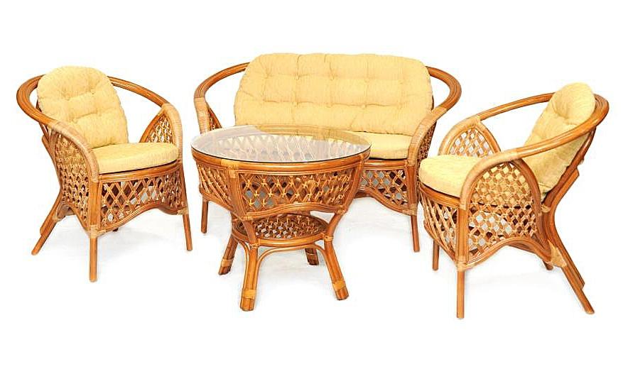 Кофейный комплект Weekend (бежевый), ED-F-R49Уличная и садовая мебель<br>Очень удобный и компактный комплект, отлично <br>впишется даже в небольшое помещение. Такой <br>ротанговый комплект мебели Вы можете использовать <br>и на свежем воздухе, ротанг устойчив к изменению <br>температуры, не выцветает на солнце. Важным <br>достоинством кофейного комлекта является <br>его легкость, что позволяет его свободно <br>перемещать. Размеры: диван - 115*70*74 см, стол <br>- диаметр 71 см, высота 61 см; кресла - 70*70*74 <br>см.<br><br>Цвет: бежево-золотой<br>Материал: Натуральный ротанг<br>Вес кг: 35<br>Ширина см: 195<br>Высота см: 158