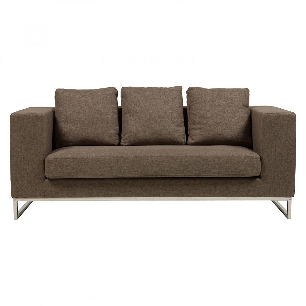 Диван Dadone Большой КоричневыйДиваны<br>Ничто не сможет лучше помочь в создании <br>уюта дома, чем удобный диван. Уютный диван <br>Dadone — это невероятно комфортный, модный <br>и довольно стильный от известного итальянского <br>дизайнера Антонио Читтерио (Antonio Citterio). Он <br>прибавит необычного шарма и внесет особую <br>теплоту вашему интерьеру. Обивка дивана <br>благородного коричневого цвета — находка <br>дизайнеров, она дает возможность вписаться <br>в современный интерьер и классический. <br>Основание, оно же ножки, изготовлено из <br>нержавеющей стали в виде прочной стальной <br>рамы. Большие мягкие подушки делают данную <br>модель еще более оригинальной. Обивка из <br>нейлона и дизайн позволяют дивану украсить <br>собой современный или классический интерьер, <br>а мягкие подушки дают вам возможность расслабиться <br>с комфортом после трудного рабочего дня. <br>Выберите в нашем магазине высококачественную <br>реплику дивана из коллекции Dadone для комнаты <br>в современном городском стиле: лофт, минимализм, <br>хай-тек.<br><br>Цвет: Коричневый<br>Материал: Ткань, Поролон, Металл<br>Вес кг: 63<br>Длина см: 184<br>Ширина см: 70<br>Высота см: 68