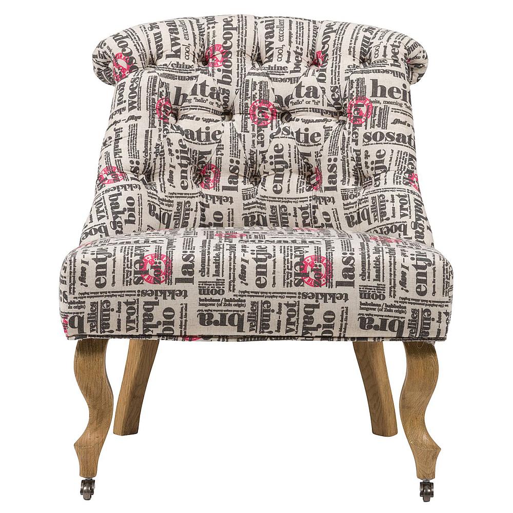 Кресло Amelie French Country Chair НадписиКресла<br>Изысканное кресло Amelie French Country в стиле модерн <br>сделает дизайн интерьера любого дома ярким <br>и изысканным. Шикарная обивка деревянного <br>каркаса с кнопками выполнена из высококачественной <br>ткани серого цвета с различными надписями. <br>Сидение имеет необычайно удобную форму <br>— изогнутость спинки повторяет очертание <br>спины человека, поэтому такое кресло не <br>только украсит ваш дом, но и станет комфортным <br>местом для отдыха. Изящно изогнутые передние <br>ножки оснащены латунными колесиками, изготовлены <br>из прочного натурального дерева насыщенного <br>коричневого цвета.<br><br>Цвет: Серый, Разноцветный<br>Материал: Дерево, Ткань<br>Вес кг: 11<br>Длина см: 64<br>Ширина см: 69<br>Высота см: 76
