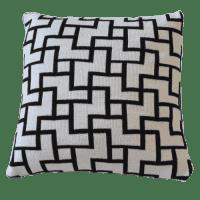Купить Наволочка YASMINE B&W малая в интернет магазине дизайнерской мебели и аксессуаров для дома и дачи