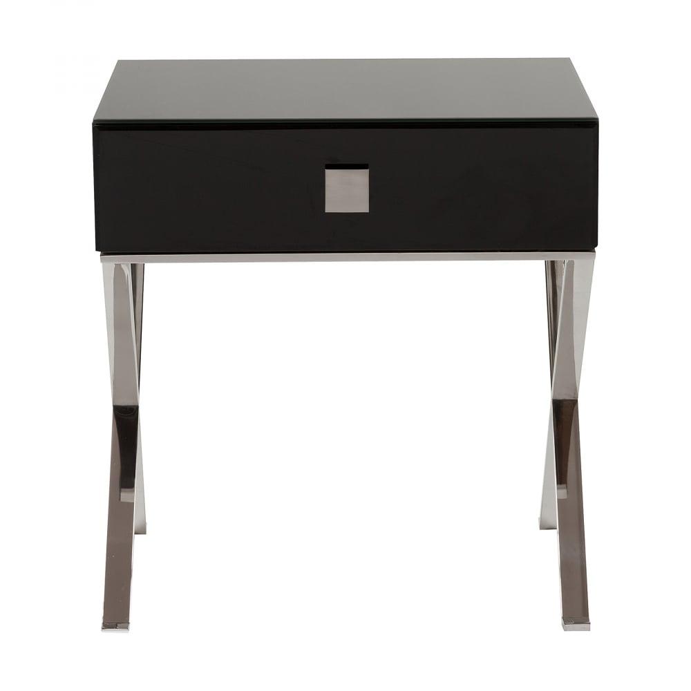 Придиванный столик с ящиком Versales DG-HOME Придиванный столик Versales выполнен в классическом  стиле, имеет прямоугольную форму с выдвижным  ящиком, сделан из высококачественного МДФ  на металлических хромированных ножках.  Органично впишется в любое пространство,  обустроенное со вкусом, его внешность подойдет  как к классическим интерьерам, так и к более  свободным стилям в дизайне. Придиванный  столик с ящиком Versales непременно будет радовать  глаз, а широкая поверхность и выдвижной  ящик позаботятся обо всем, что хочется держать  под рукой. Можно поставить чашечку кофе  и положить пульт телевизора. Увлекательная  книга, личный дневник и другие любимые мелочи  тоже теперь всегда будут под рукой. Купите  придиванный столик с ящиком Versales — красота  должна доставлять не только эстетическое  удовольствие, но и приносить практическую  пользу.