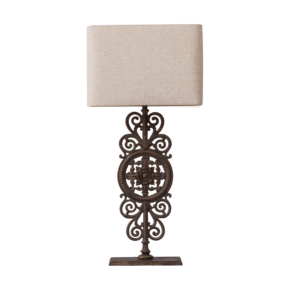 Настольная лампа Sofra DG-HOME Оригинальная настольная лампа Sofra на металлической  ножке с великолепным узором резко контрастирует  с простым, оформленным в нейтральном бежевом  цвете и строгом стиле абажуром лампы. Создаст  уютную обстановку в доме, прекрасно подойдет  в качестве подарка, обязательно покорит  почитателей всего редкого и необычного.  Предназначена для использования со светодиодными  лампами.