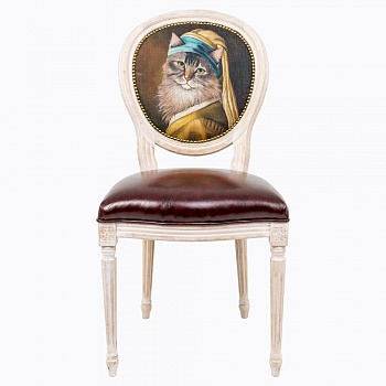 Стул Музейный экспонат, версия 26, OM-F-CH50Стулья<br>Стул Музейный экспонат - универсальное, <br>но отборное решение гостиной и детской <br>комнат, столовой и спальни, кабинета и холла. <br>Дизайн стула создан эффектом экстравагантных <br>сочетаний. Глянцевое шоколадное сиденье <br>объединилось с шелковистой льняной спинкой, <br>современный рисунок в жанре анимализма <br>эклектично восседает на величественном <br>корпусе в манере французского дворцового <br>классицизма. Миссию уюта прилежно исполняет <br>рукописная искусственная патина, подчеркивающая <br>благородную фактуру натурального дерева. <br>Приметы страны обладают специфическим <br>обаянием и теплом. Прототипом анималистичной <br>фантазии послужила всемирно известная <br>работа Яна Вермеера (1632-1675) Девушка с жемчужиной. <br>В настоящее время картина хранится в музее <br>Маурицхёйс в Гааге. Первым названием картины <br>было Девушка в тюрбане. Картина подписана <br>IVMeer, но не датирована. Предполагается, <br>что она написана в 1665 году. Портрет называют <br>нидерландской Моной Лизой.<br><br>Цвет: None<br>Материал: None<br>Вес кг: 6