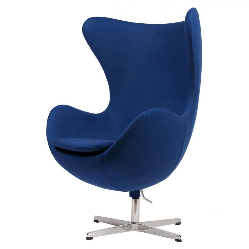 Кресло Egg Chair Синее 100% ШерстьКресла<br>Кресло Egg Chair (Яйцо), созданное в 1958 году <br>датским дизайнером Арне Якобсеном, обладает <br>исключительной привлекательностью и узнаваемостью <br>во всем мире, занимает особое место в ряду <br>культовой дизайнерской мебели XX века. Оно <br>имеет экстравагантную форму и неординарное <br>исполнение, что позволило ему стать совершенным <br>воплощением классики нового времени. Кресло <br>Egg Chair, выполненное в форме яйца, обтянутого <br>100% шерстяной тканью синего цвета, подарит <br>огромное множество положительных эмоций <br>и заставляет обращать на него внимание. <br>Оно непременно задаёт основу для дизайна <br>того или иного помещения. Прочный и массивный <br>каркас из стекловолокна и ножка из нержавеющей <br>стали гарантируют долгий срок службы и <br>устойчивость. Данное кресло — это поистине <br>не стареющая классика в футуристическом <br>исполнении! Купите великолепную реплику <br>кресла Egg Chair — изготовленное из высококачественных <br>материалов, оно понравится многим любителям <br>нестандартного видения обыденных и, притом, <br>качественных вещей.<br><br>Цвет: Синий<br>Материал: Шерсть, Металл<br>Вес кг: 37<br>Длина см: 82<br>Ширина см: 76<br>Высота см: 105