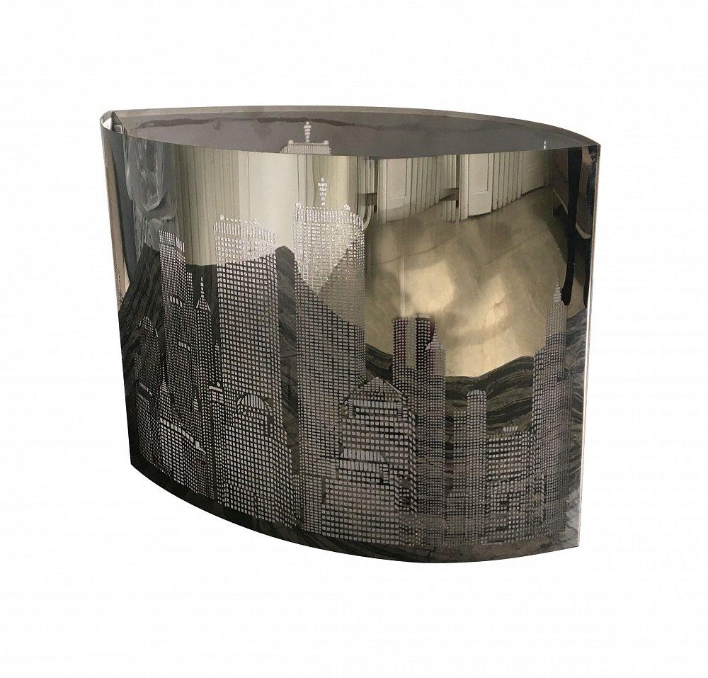 Люстра CityЛюстры<br>Подвесная люстра: абажур черно-белый акрил <br>размером диаметр 40 см, высота 23 см; основание <br>хромированное железо; предназначена для <br>использования со светодиодными лампами <br>Е27-1 лампа (лампы не включены в комплект)<br><br>Цвет: Чёрный<br>Материал: Акрил<br>Вес кг: 3,9<br>Длина см: 40<br>Ширина см: 40<br>Высота см: 23