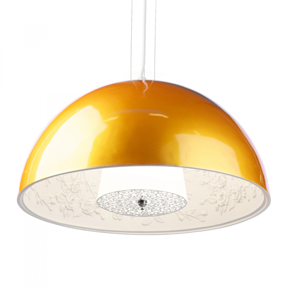 Подвесной светильник SkyGarden Flos D90 GoldПодвесные светильники<br>Подвесная лампа: полимерная смола (окрашена <br>в черный цвет снаружи и в белый цвет внутри); <br>предназначена для использования со светодиодной <br>лампой Е27-1 лампа (лампа не включена в комплект)<br><br>Цвет: Белый, золотой<br>Материал: Полимерная смола<br>Вес кг: 14,9<br>Длина см: 90<br>Ширина см: 90<br>Высота см: 42