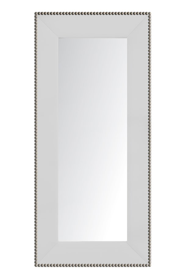 Зеркало напольное с гвоздиками БелоеЗеркала<br>Зеркала являются незаменимыми элементами <br>декора или элементами интерьера. Большие <br>зеркала способны создавать причудливые <br>эффекты: зритель увеличивать комнату, создавать <br>иллюзию удлиненной комнаты, углублять ниши. <br>Зеркало в полный рост, имеет, также, практическое <br>применение. Чтобы разобраться, где такие <br>зеркала будут смотреться лучше всего, следует <br>рассмотреть все варианты.<br><br>Цвет: Белый<br>Материал: Древесный материал, Велюр<br>Вес кг: None<br>Длина см: 83<br>Ширина см: 5<br>Высота см: 175