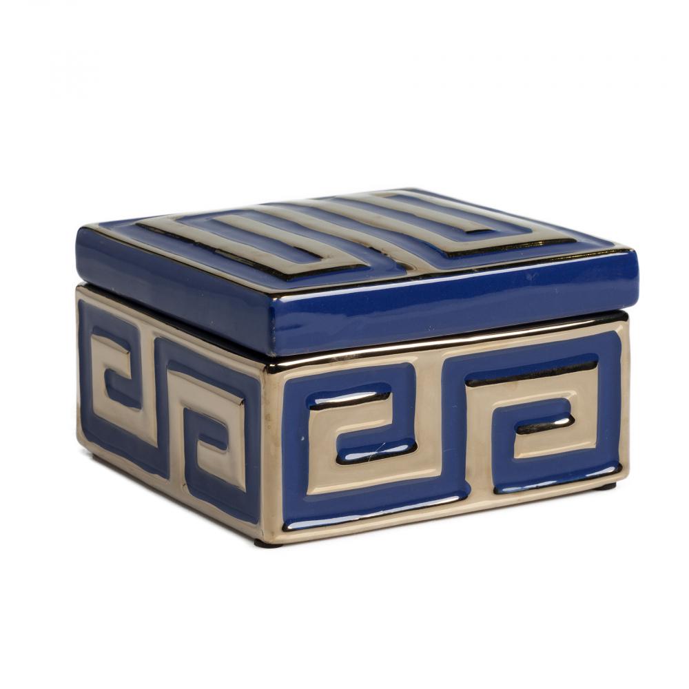Декоративная коробка MarqueШкатулки и подставки для украшений<br>Декоративная коробка: МДФ основание, отделка <br>из стекла<br><br>Цвет: Синий<br>Материал: МДФ, Стекло<br>Вес кг: 1,3<br>Длина см: 15<br>Ширина см: 15<br>Высота см: 9