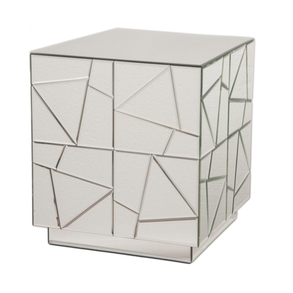 Зеркальный кофейный столик KiraКофейные и журнальные столы<br><br><br>Цвет: Зеркальный<br>Материал: Зеркало, МДФ<br>Вес кг: 14,1<br>Длина см: 40<br>Ширина см: 40<br>Высота см: 45