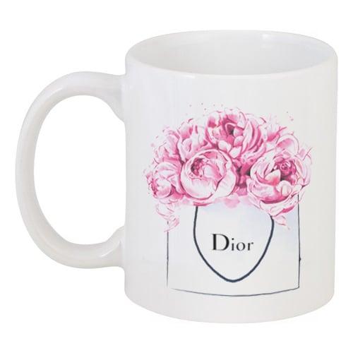 Кружка с рисунком Dior PeoniesКружки<br>Объем кружки: 330 мл.<br><br>Цвет: Белый<br>Материал: Керамика<br>Вес кг: 0,38<br>Длина см: 13,1<br>Ширина см: 8,1<br>Высота см: 9,5