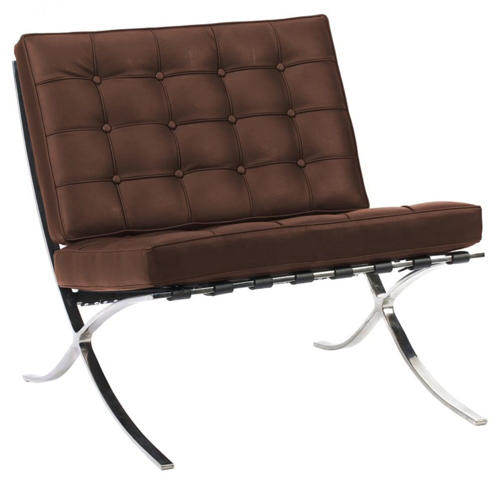 Кресло Barcelona Chair Коричневая ЭкокожаКресла<br>Кресло Barcelona было создано в 1929 году австрийским <br>архитектором Людвигом Мисом ван дер Роэ <br>и с тех пор считается настоящим шедевром <br>дизайна 20-го века, по праву занимает лучшие <br>места в интерьерах. Каркас и ножки, сделанные <br>из нержавеющей стали, составляет единую <br>конструкцию, что обеспечивает его прочность. <br>Обивка изготавливается из высококачественной <br>кожи бежевого цвета, состоит из отдельно <br>сшитых квадратов с кантом по швам, скроена <br>и сшита вручную. Сиденье и спинка украшены <br>декоративной стежкой «капитоне». Есть также <br>другие варианты расцветки. Предлагаем купить <br>в нашем магазине замечательную реплику <br>кресла Barcelona — оно идеально подойдет для <br>современного стиля интерьера, придав ему <br>строгий шик и элегантность.<br><br>Цвет: Коричневый<br>Материал: Кожа<br>Вес кг: 27<br>Длина см: 76<br>Ширина см: 76<br>Высота см: 76