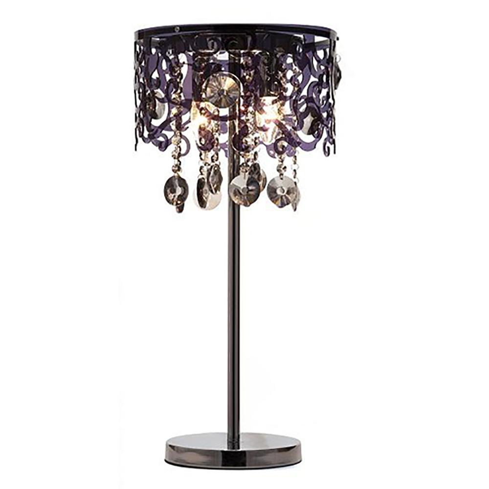 Настольная лампа AbbieНастольные лампы<br>Изящная настольная лампа Abbie на прямой <br>строгой стойке из хромированного металла, <br>с резным плафоном, выполненным из акрила, <br>и чёрными хрустальными подвесками на ажурных <br>цепочках, создает светлую атмосферу утонченного <br>уюта. Изысканный дизайн светильника делает <br>его актуальной деталью, как в современном, <br>так и в классическом интерьере.<br><br>Цвет: Чёрный<br>Материал: Акрил, Металл, Хрусталь<br>Вес кг: 4<br>Длина см: 31<br>Ширина см: 31<br>Высота см: 63