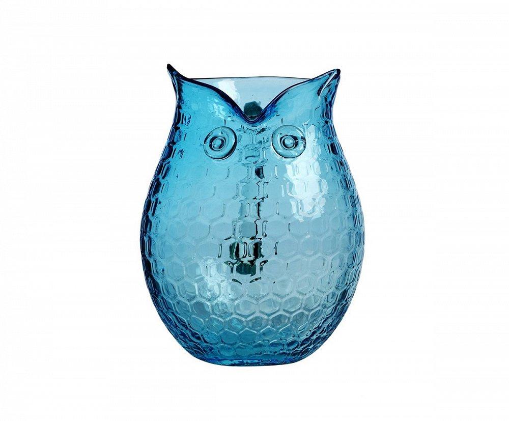 Кувшин Eagle Owl IДекор для дома<br>Очаровательный элемент декора голубой <br>кувшин Сова может стать прекрасным приобретением <br>и любимым кухонным аксессуаром. Благодаря <br>своей изящной форме и приятному нежно-голубому <br>цвету, он с легкостью впишется в современный <br>интерьер вашего дома, привнеся в него «изюминку». <br>Кувшин может выполнять как декоративную <br>функцию, если поставить в него живые цветы, <br>так и практическую — напитки в нем будут <br>выглядеть еще более аппетитными.<br><br>Цвет: Голубой<br>Материал: Стекло<br>Вес кг: 1,5<br>Длина см: 18,5<br>Ширина см: 15,5<br>Высота см: 21