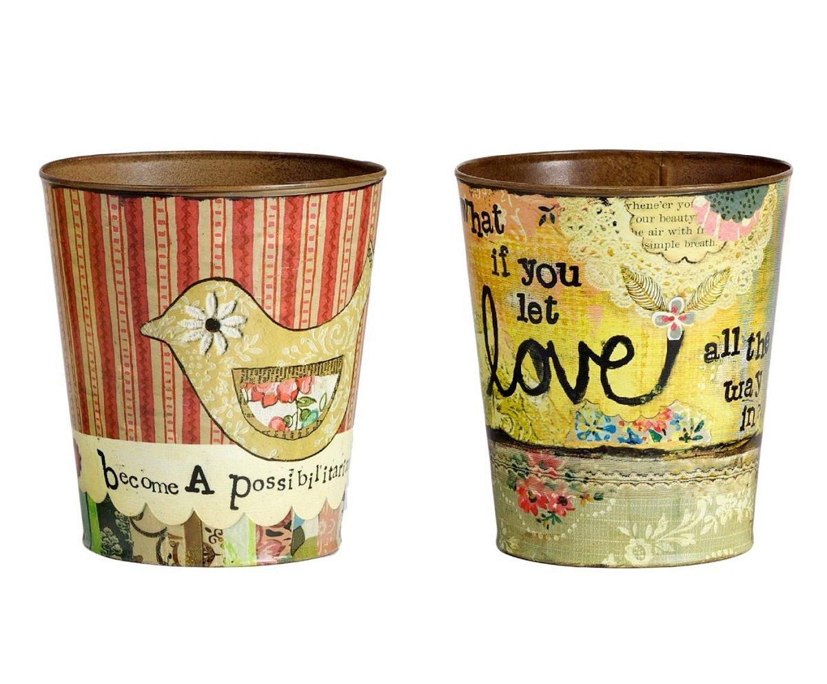 Набор декоративных горшков для цветов Домашний сад<br>Набор декоративных горшков для цветов <br>Enfance — это прекрасный подарок себе или близким <br>людям, который украсит собой любое помещение, <br>особенно, если оно выполнено в стиле Прованс. <br>Яркие и разноцветные горшки привнесут в <br>ваш дом тепло и уют деревенского домика <br>юга Франции. В таком аксессуаре отлично <br>будут смотреться как комнатные растения, <br>так и всевозможные предметы декора.<br><br>Цвет: Разноцветный<br>Материал: Металл<br>Вес кг: 0,5<br>Длина см: 16,5<br>Ширина см: 16,5<br>Высота см: 17,5