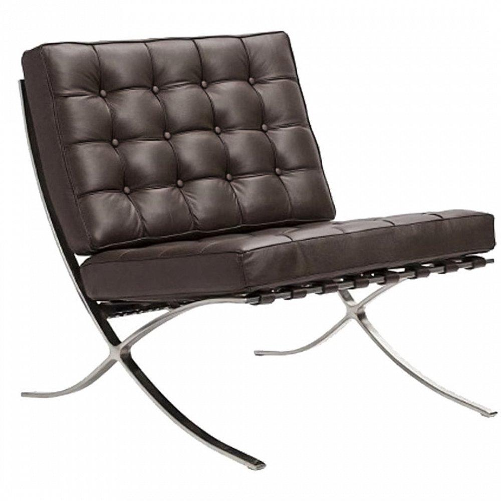 Кресло Barcelona Chair Коричневая Кожа Класса Кресла<br>Кресло Barcelona было создано в 1929 году австрийским <br>архитектором Людвигом Мисом ван дер Роэ <br>и с тех пор считается настоящим шедевром <br>дизайна 20-го века, по праву занимает лучшие <br>места в интерьерах. Каркас, сделанный из <br>нержавеющей или хромированной стали, составляет <br>единую конструкцию, что обеспечивает его <br>прочность. Обивка изготавливается из высококачественной <br>натуральной кожи коричневого цвета, состоит <br>из отдельно сшитых квадратов с кантом по <br>швам, скроена и сшита вручную. Сиденье и <br>спинка украшены декоративной стежкой «капитоне». <br>Есть также другие варианты расцветки. Предлагаем <br>купить в нашем магазине замечательную реплику <br>кресла Barcelona — оно идеально подойдет для <br>современного стиля интерьера, придав ему <br>строгий шик и элегантность.<br><br>Цвет: Коричневый<br>Материал: Кожа, Поролон, Металл<br>Вес кг: 28<br>Длина см: 76<br>Ширина см: 76<br>Высота см: 76
