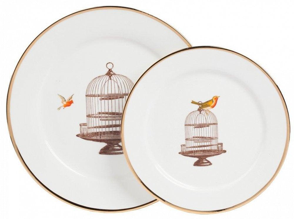 Комплект тарелок EncantoКомплекты тарелок<br>В комплект входят две тарелки диаметром <br>25,5 и 20 см.<br><br>Цвет: белый,коричневый<br>Материал: Костяной фарфор<br>Вес кг: 0,7<br>Длина см: 25,5<br>Ширина см: 25,5<br>Высота см: 1