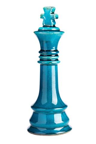Предмет декора статуэтка шахматная фигура Статуэтки<br>Шахматный король из глазурованной керамики <br>благородного синего цвета станет оригинальным <br>подарком для любителя шахмат и изысканным <br>украшением любого интерьера. Легкий глянцевый <br>блеск и насыщенный цвет придают скромное <br>очарование этому оригинальному аксессуару. <br>Он может использоваться как самостоятельный <br>элемент декора, а также в комплекте с другими <br>фигурами этой коллекции.<br><br>Цвет: Голубой<br>Материал: Грубая керамика<br>Вес кг: 1,3<br>Длина см: 15,5<br>Ширина см: 15,5<br>Высота см: 32