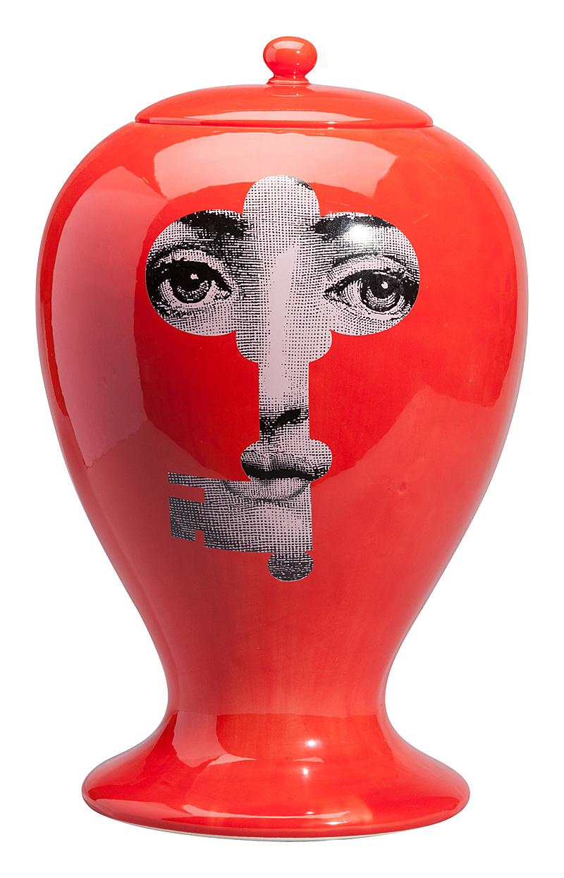 Фото Декоративная ваза с крышкой Пьеро Форназетти  Serratura Red Maxi. Купить с доставкой